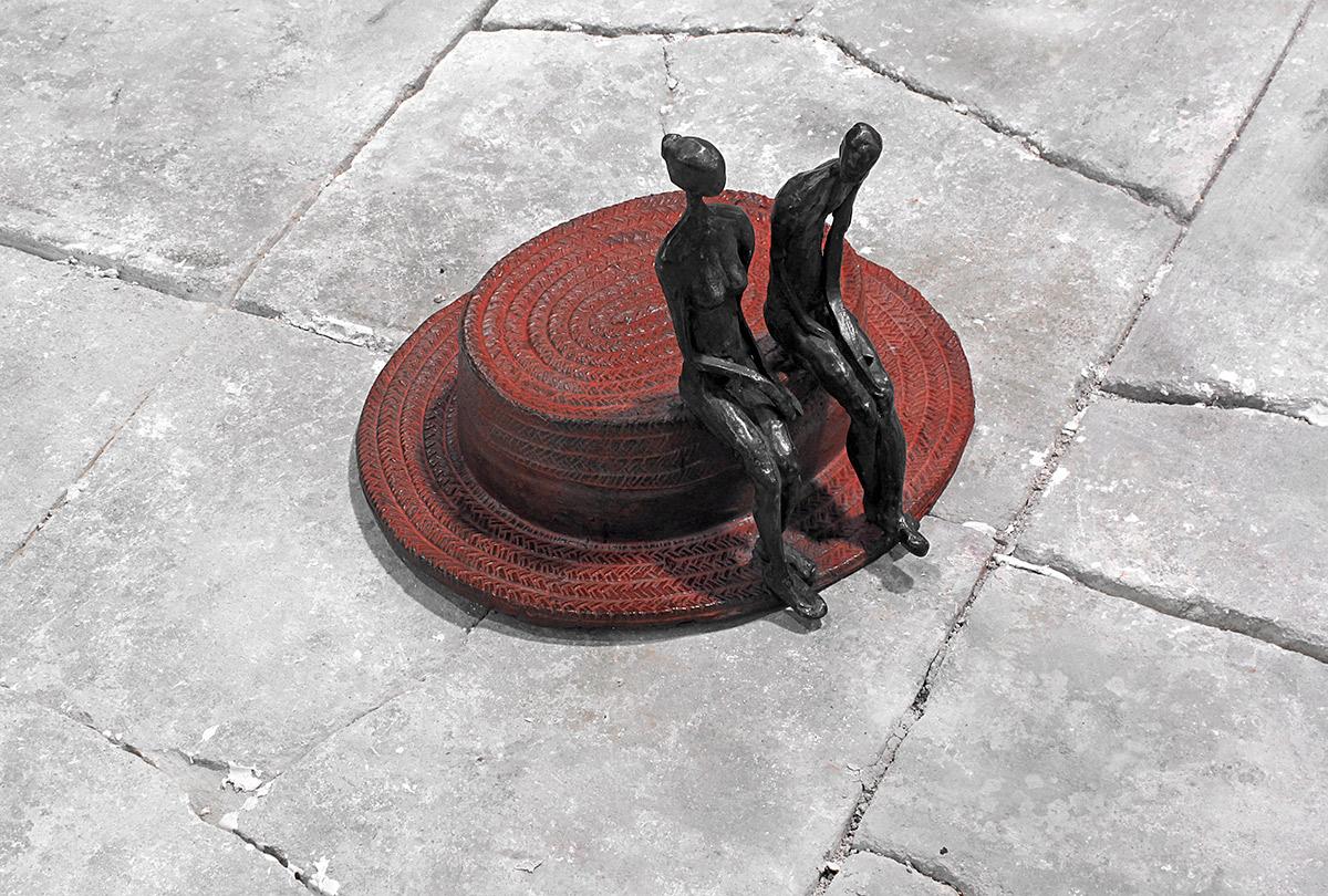 Colloquio al cappello Bronzo, cm 20x26x23, 2006