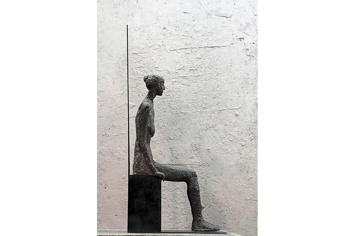 Donna seduta Bronzo, cm 76x36x202001